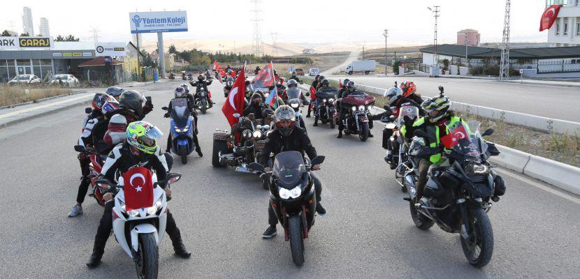 Gölbaşı Belediyesi, 29 Ekim Coşkusunu Sokaklara Taşıdı…