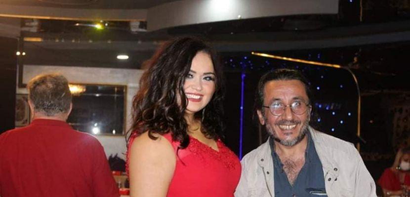GALERİ MAVIST Sevinç Lüleci, Küratòr Fisun Peynircioğlu'nun Atatürk Haftası etkinliği