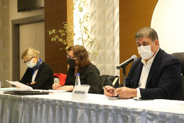 İzmir Karşıyaka Belediye Meclisi'nden iki önemli karar