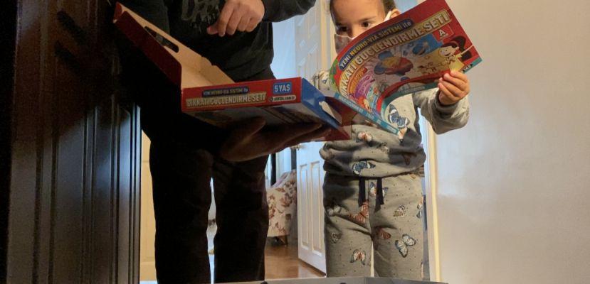 Üsküdar Belediyesi 3 Aralık Dünya Engelliler Günü dolayısıyla engelli çocuklara çok özel hediyeler dağıttı
