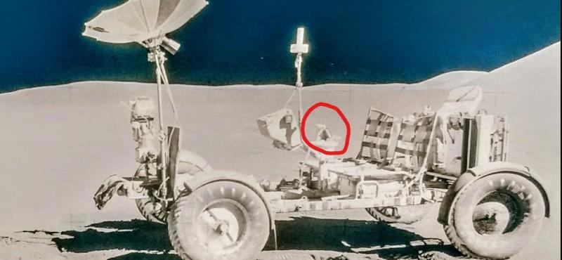 Apollo 14, uzaya 300 minyatür İncil götürdü