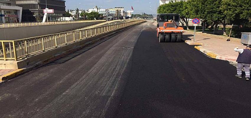 Büyükşehir'den kısıtlamada asfalt mesaisi