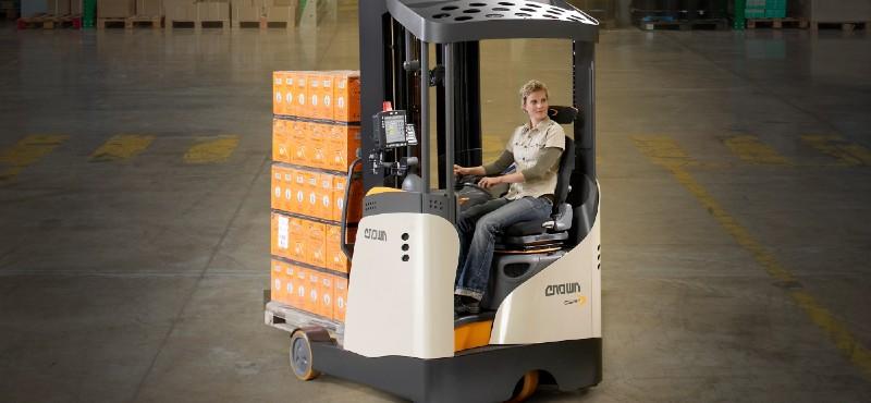 Crown ESR 5200 reach trucklarda Mart'a kadar özel fiyat ve sıfır faiz avantajı
