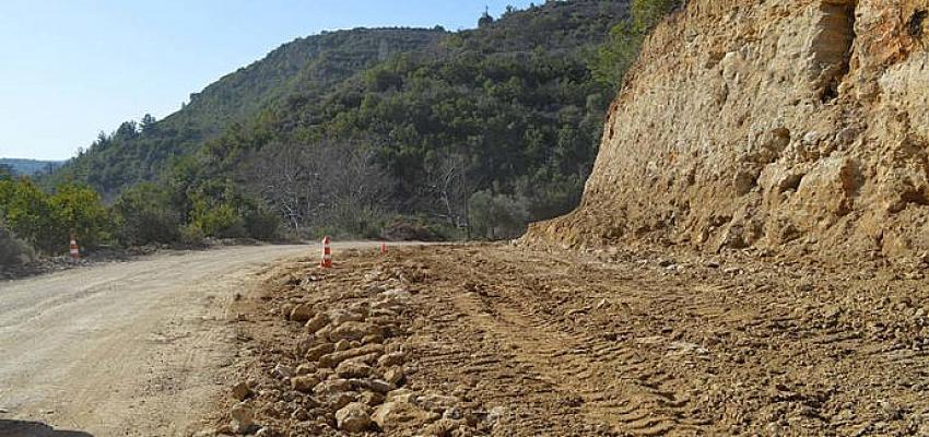 Halitağalar-Namaras-Güneycik grup yolunda stabilize çalışması
