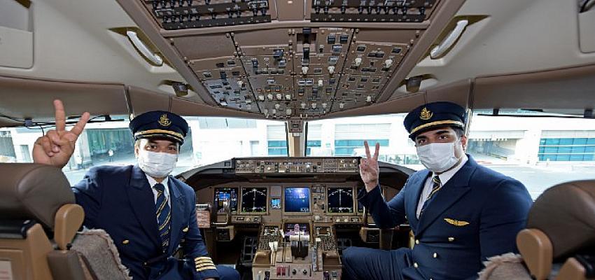 Her Zaman, Her Şeyden Önce Güvenlik: Emirates, Tüm Müşteri Temas Noktalarında Tamamen Aşılanmış Ön Saftaki Ekipleriyle Hizmet Verdiği İlk Uçuşunu Gerçekleştirdi
