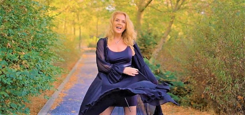 Rüya Ersavcı 'Peri Masalı' ile müzik dünyasına geri döndü