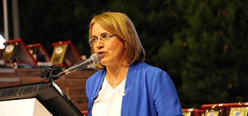 """CHP Genel Başkan Danışmanı Köse, """"Dünya Emekçi Kadınlar Günü'nde renkleri solduranlar utansın"""""""