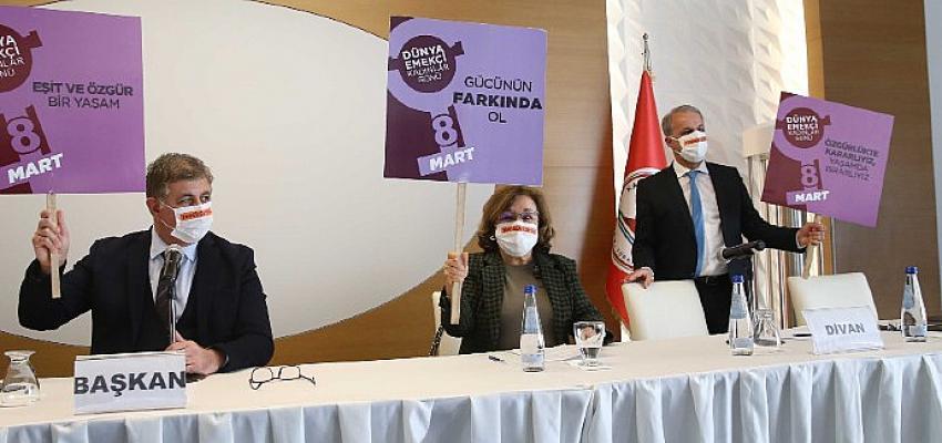Fwd: Karşıyaka Meclisi'nde 8 Mart unutulmadı!
