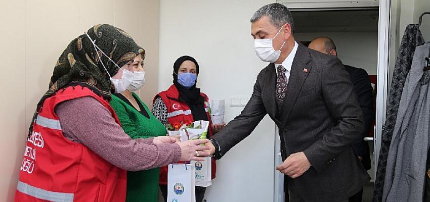 Gölbaşı Belediye Başkanı Ramazan Şimşek Kadın Çalışanlarla Bir Arada…