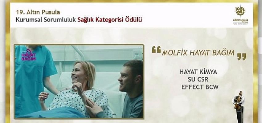 Molfix Hayat Bağım Projesi Altın Pusula Ödülü'nü aldı!
