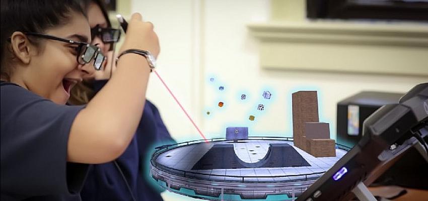 Yeni Uzaktan Eğitim 'Aileler evlerlne sanal gerçeklik odası kuruyor'