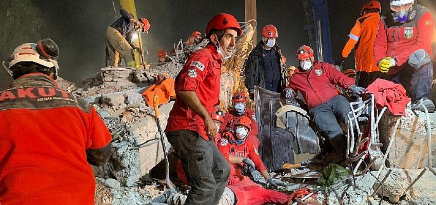 """""""AKUT, olası İstanbul Depremi'ni gündeme taşımaya devam ediyor!"""""""
