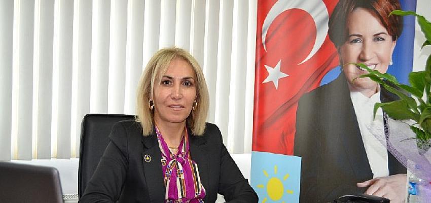 """İYİ Parti Malatya Kadın Politikaları Başkanı Arzu İmik Kayış: """"Bu zor günleri de el ele vererek birlikte geride bırakacağız"""""""