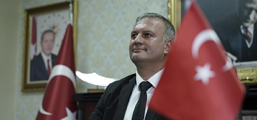 Karataş Belediye Başkanı Necip Topuz Bayram Mesajı Paylaştı