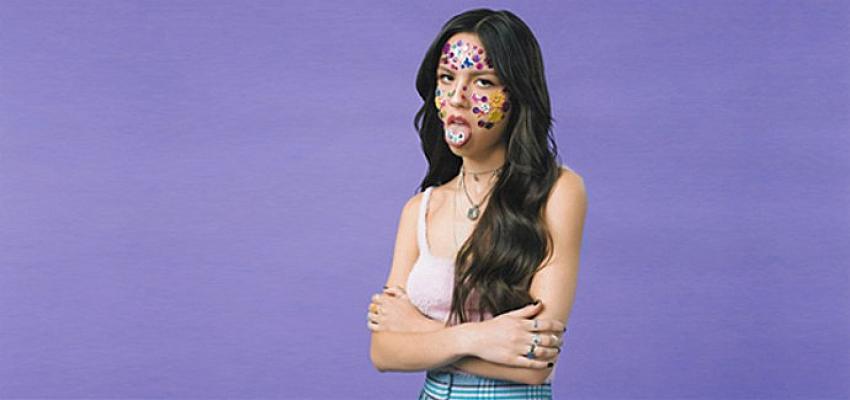 """Olivia Rodrigo'nun Merakla Beklenen İlk Albümü """"SOUR"""" Çıktı!"""
