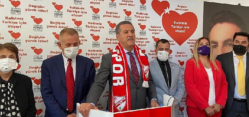 TDP Genel Başkanı Mustafa Sarıgül, Bolu İktidara Hazırlık Merkezine ziyaret gerçekleştirdi.