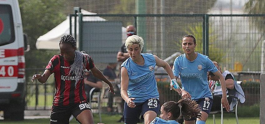 Turkcell Kadın Futbol Ligi Sağlık Çalışanları Sezonu'nda finalin adı belli oldu