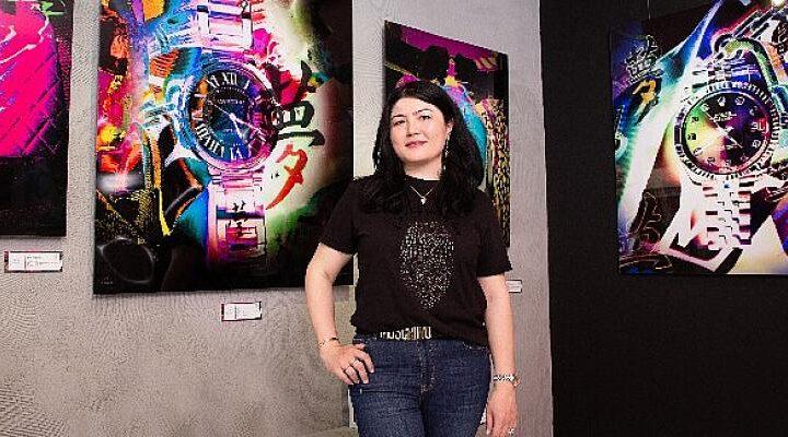 Lüksü Sanatla Buluşturan Ünlü Sanatçı Bodrum Fuarı'nda